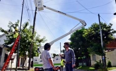 Comenzó la última etapa de renovación de luminarias en gran parte de Virreyes