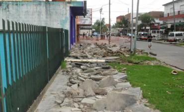 Continúa la remodelación del centro comercial de Troncos del Talar