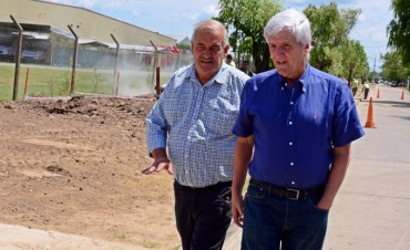 Luis Andreotti celebró la finalización del entubamiento del zanjón Charlín