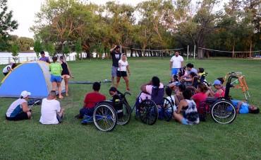 En San Fernando, la Colonia de Discapacidad tuvo un campamento nocturno en el Poli N° 3