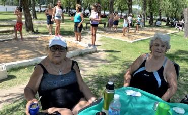 En San Fernando, los abuelos y sus familiares festejaron el Día del Nieto en el Poli N° 3