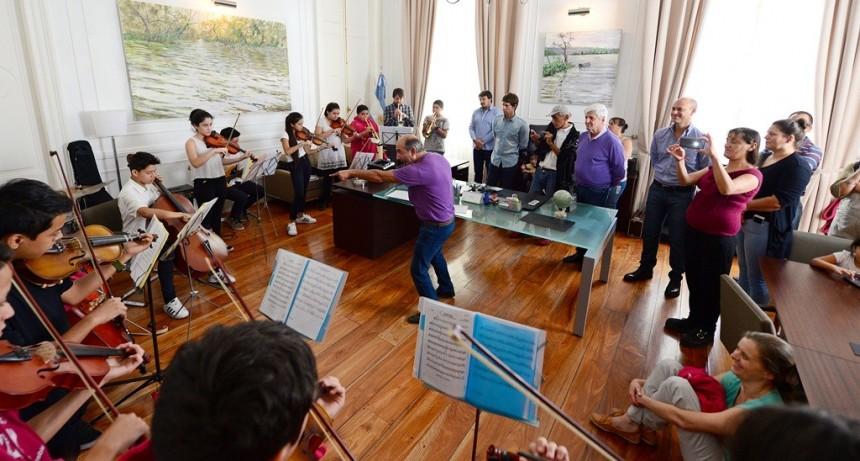 Andreotti recibió a la Orquesta del Centro de Día 'Acción Social Ecuménica'