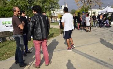 El color, la danza y la música invadieron la plaza San Pablo de Virreyes