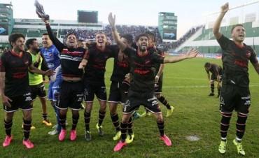 Douglas eliminó a Tigre por penales y sigue en la Copa Argentina