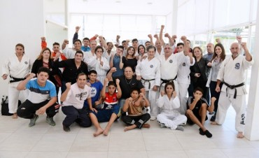 Los chicos del Centro Convivencial Terapéutico tuvieron una clase de Karate con Hiroyoshi Shiokawa
