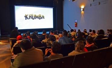 Los chicos de la Colonia Especial disfrutaron de una película en el Teatro Martinelli