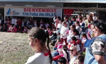 San Fernando organizó un encuentro cultural para la comunidad educativa isleña