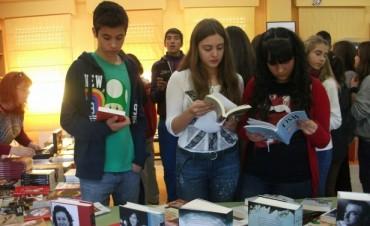 Tigre fomenta la lectura en adolescentes