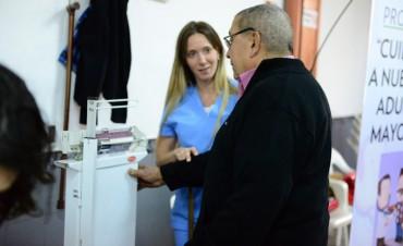 El Municipio lleva controles y talleres de salud a los centros de jubilados de San Fernando