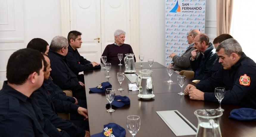 Andreotti y los Bomberos de San Fernando celebran el primer aniversario de su Cuartel