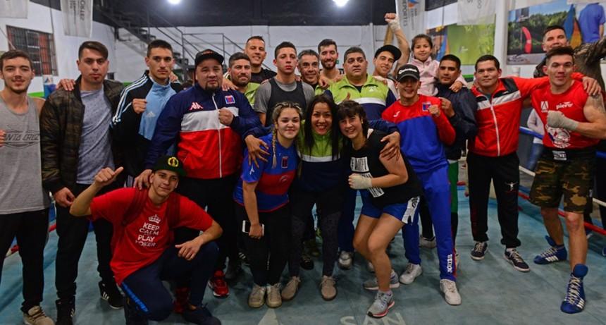 Los sanfernandinos disfrutaron de una 'Noche de Box' en la Escuela Municipal de Boxeo