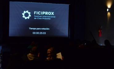 Los vecinos disfrutaron de un festival de cine en el Teatro Martinelli