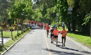 """Multitudinaria participaron en la Maratón """"UdeSA Corre"""" en San Fernando"""
