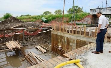 """San Fernando avanza en una importante obra hidráulica en Ruta Nº 202, cerca del """"Puente Negro"""""""