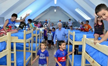 Luis Andreotti inauguró un complejo de dormis en el Polideportivo N° 3