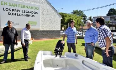 San Fernando sigue equipando a las Escuelas de Remo y Canotaje: presentaron una lancha para seguridad de los alumnos