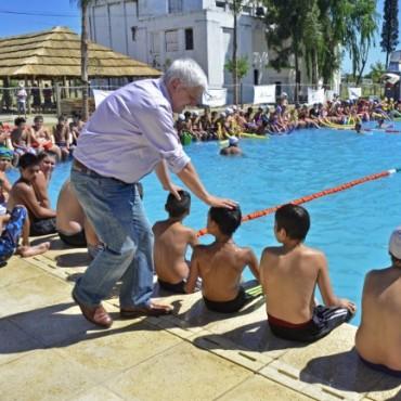 En un acto realizado en el Polideportivo N°2 (Ruta N°202 y Pueyrredón)