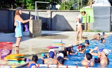 Gran éxito de la Escuela de Natación del Polideportivo Nro. 1 de San Fernando