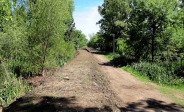 Obras de mantenimiento hidráulico en Dique Luján y Villa La Ñata