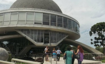 """Los chicos del """"Centro Municipal de Día"""" visitaron el Planetario"""