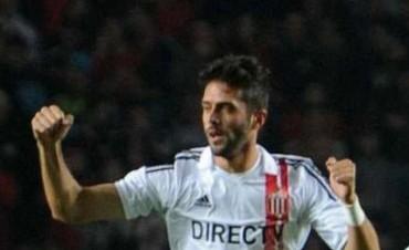 El lateral izquierdo uruguayo rescindió con Estudiantes y ya es jugador de Tigre.