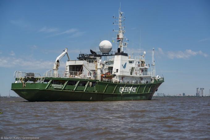 El barco más grande de Greenpeace ya está en Buenos Aires