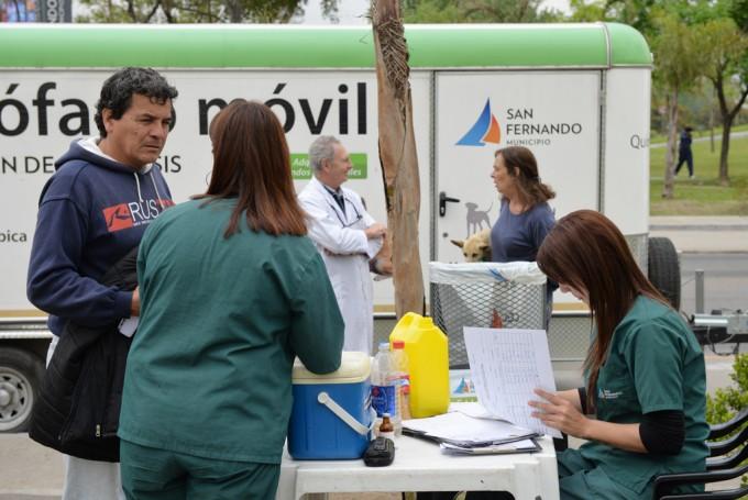 El Quirófano Móvil de Zoonosis de San Fernando continúa recorriendo los barrios