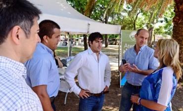 Gran recepción del stand del Centro de Atención al Vecino de San Fernando en la plaza Santa Lucía
