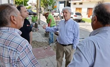 Andreotti amplió la renovación de veredas de San Fernando