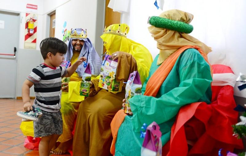 faf654d0b Los Reyes Magos visitaron las Unidades de Desarrollo Infantil de San  Fernando