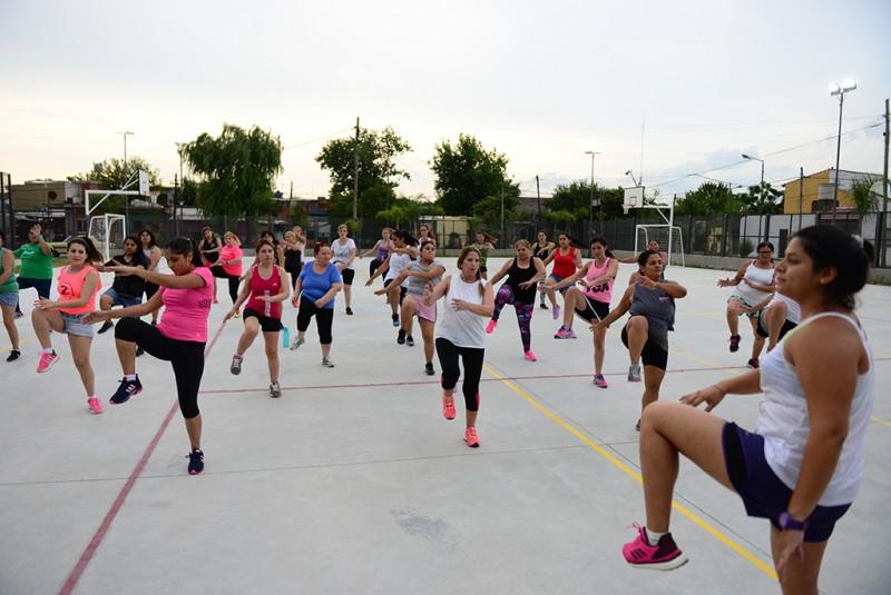 San Fernando: Zumba, Ritmos Latinos y Aquagym en los polideportivos
