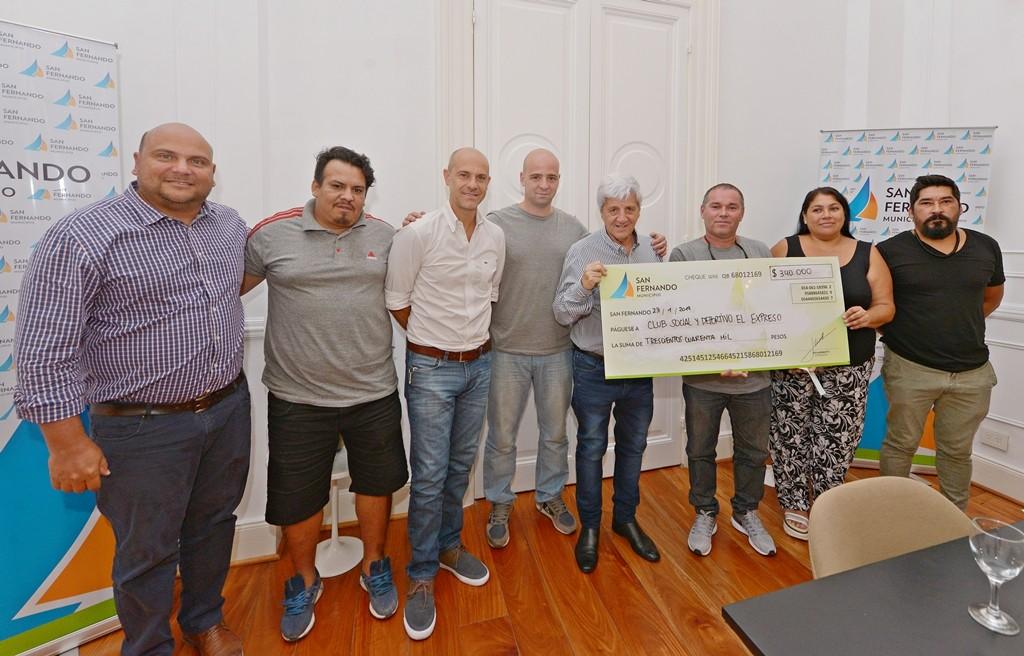 Luis Andreotti entregó una nueva ayuda económica al Club Social y Deportivo 'El Expreso'