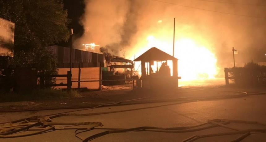 En el comienzo de año, incendio destruyó restaurante en Martínez