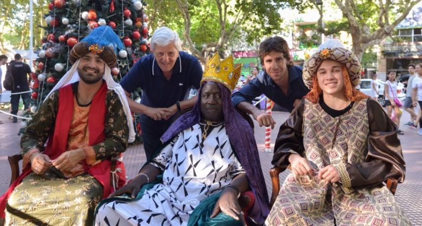 Los Reyes Magos recorrieron San Fernando