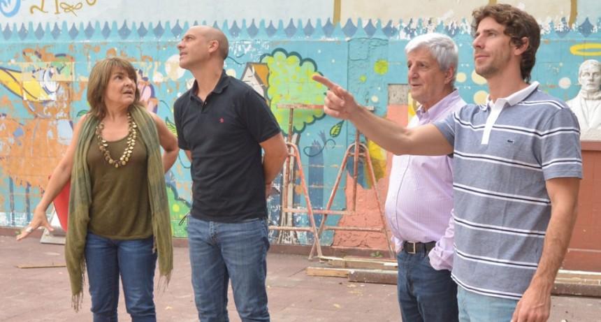 Juan Andreotti visitó la obra de renovación de la Escuela Provincial N° 9