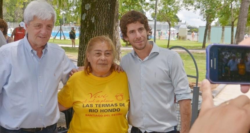 Juan Andreotti visitó a los abuelos que disfrutan a pleno las Colonias de Verano de San Fernando