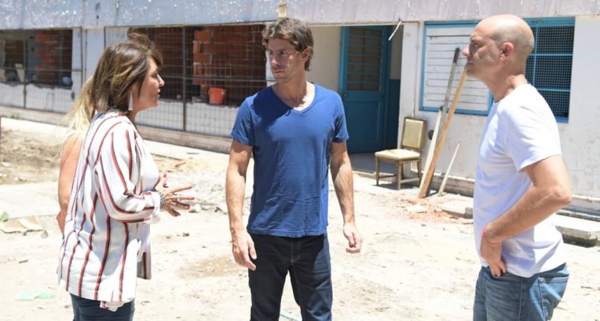 Juan Andreotti visitó la renovación total que San Fernando hace en la Escuela N°27