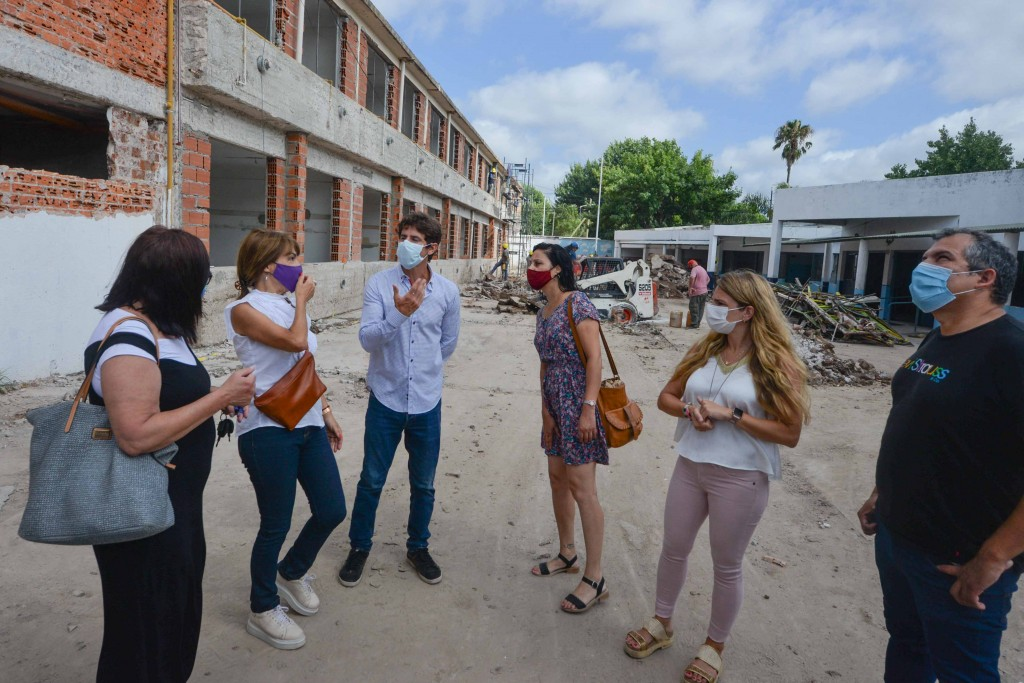 Juan Andreotti recorrió la obra a nuevo de la Primaria Nº36 y Secundaria Nº 11 en Virreyes
