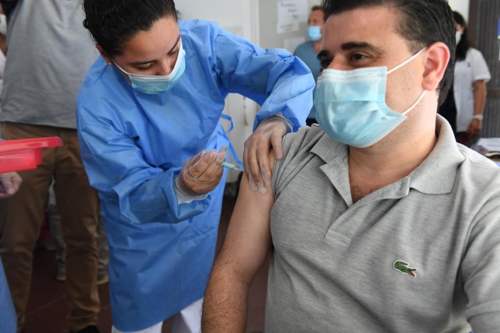 Avanza en San Fernando la vacunación contra el coronavirus al personal de salud