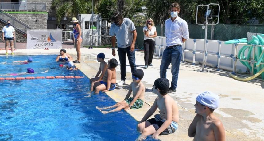 Juan Andreotti visitó el inicio de las Colonias de Verano con cuidados y protocolos