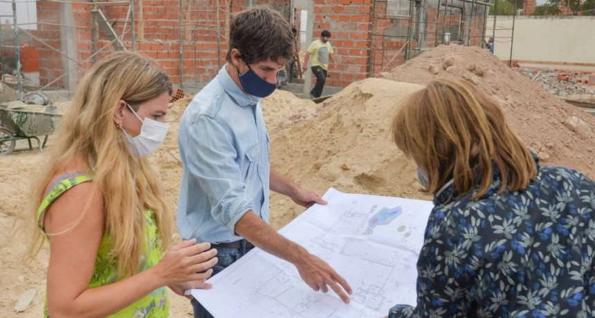 Juan Andreotti recorrió la obra del Jardín Nº902 de doble escolaridad que se construye a nuevo