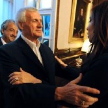 La Presidenta pidió paritarias anuales y sin tope