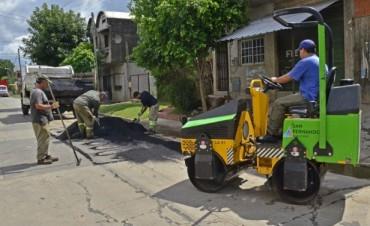 El Municipio comienza un plan de bacheo en Virreyes Oeste