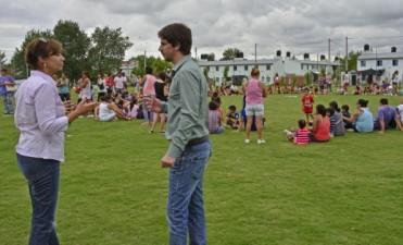 Padres e hijos se divirtieron en uno de los últimos festejos de las colonias