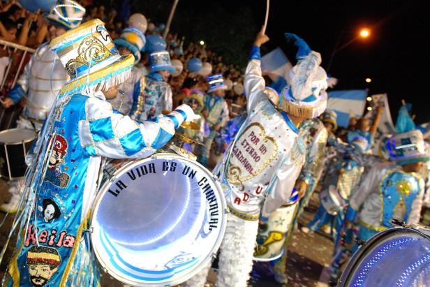 Los Carnavales del Río convocaron más de 100 mil personas en Tigre