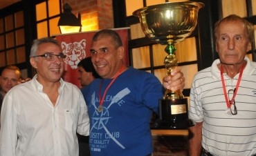 Tigre se iluminó con el décimo Festival de Ochos disputado en el Río Luján