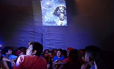 """Montaron un """"Planetario"""" en las colonias de San Fernando"""