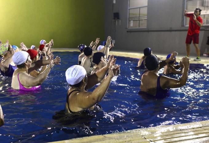 Este verano, 'Aquagym' causa sensación en San Fernando