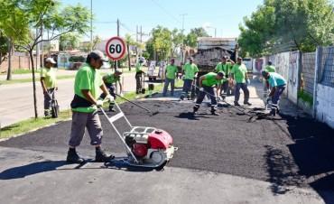 Escuela N°28 de San Fernando: el Municipio también renueva su vereda y estacionamiento