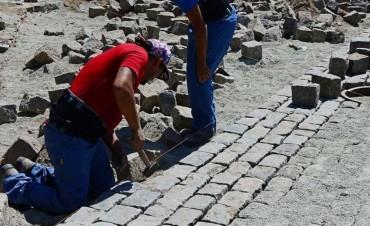 trabajo artesanal para preservar los adoquines centenarios de San Fernando